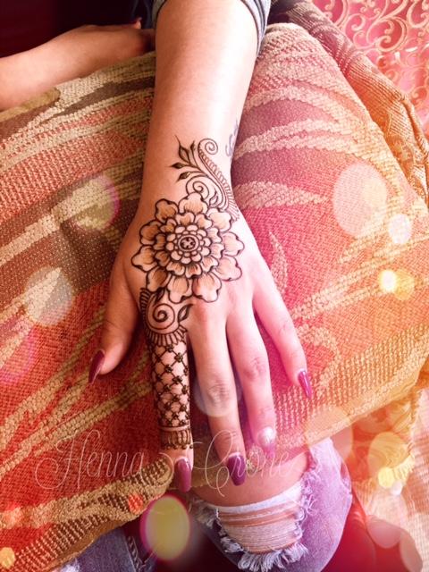 Henna 2