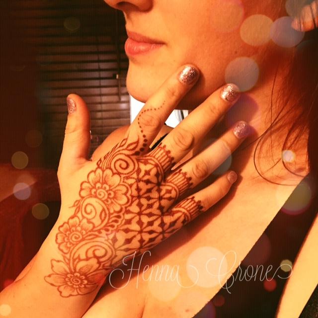 Henna 3